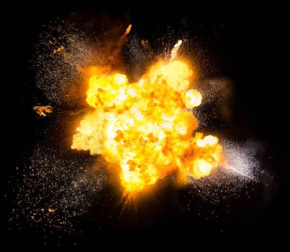 Explosion dans les airs